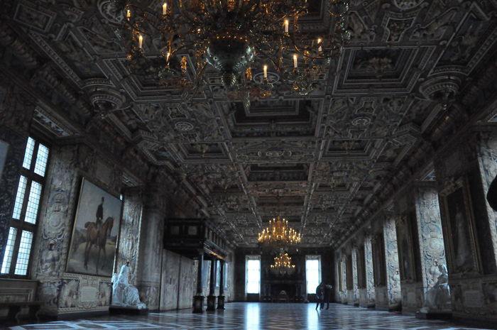 Hall Of Fame Travel Architectural Column Architecture Built Structure Castel Day History Indoors  No People Photography Royal Palace Travel Destinations