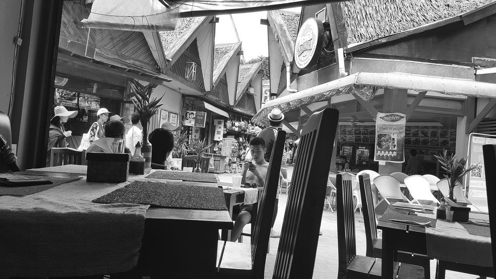 Borocay, Philippines Black And White B&w Street Photography Hustle And Bustle Island Life Samsung Galaxy S6 Edge Traveling Borocay, Philippines Monochrome Photography Miles Away