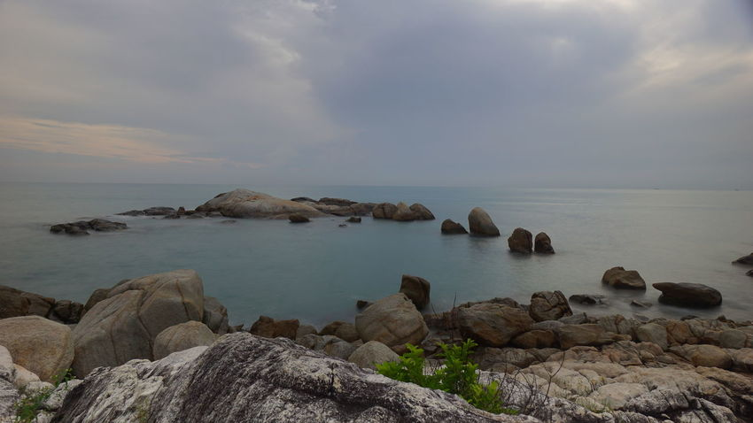 Pantai Batu Berbaris, Parai Tengiri, Sungailiat Bangka Sunrise Cloudy Sunrise Resort Scenic View Granitic Beach Rocky Beach Travel Photography Bangka Seascape INDONESIA Indonesia Scenery Photography By @jgawibowo Arif Wibowo Photoworks Shot By @jgawibowo Shot By Arif Wibowo Property Of Arif Wibowo Scenic Pantai Like Sea Horizon Over Water Water Beach Landscape Rock - Object Tranquility Tranquil Scene