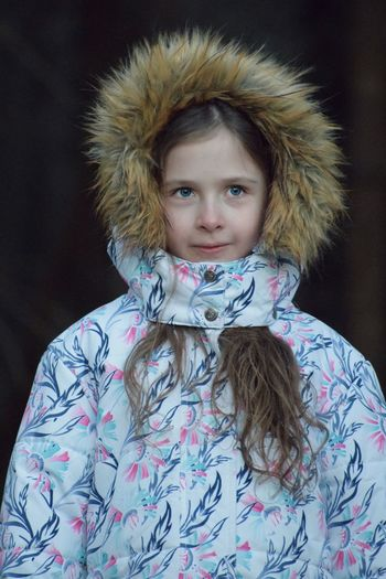 🌲🌲 Into the woods 🌲🌲 Into The Woods Forest Photography Child Front View Portrait Childhood One Person Girls Females Looking At Camera Real People Lifestyles Leisure Activity Women Pattern Clothing Floral Pattern Innocence Winter Warm Clothing Scarf Hairstyle The Portraitist - 2019 EyeEm Awards
