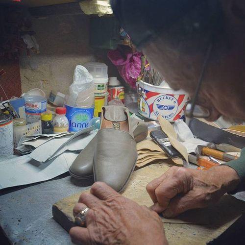 Tunisian Traditional Shoes by Sir Kamel Bouhuila tel:25711554 Wwim13 Tunisia IgersTunisia Medina Tunis Wwim13Tunisia Carthagina Handicraft الصبابط الجلد ... :)