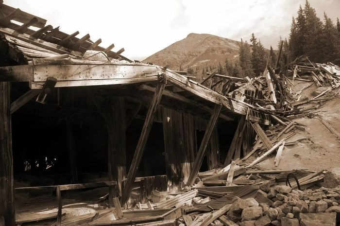 Decay Destruction Colorado Mining History Of America Weathered Mining Heritage Ghosttowns Mining Colorado Photography Abandoned