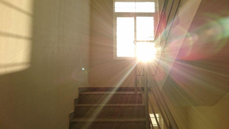 Lights Light Sunlight Shine Sun Rays Colours Light Through The Window Bright_and_bold