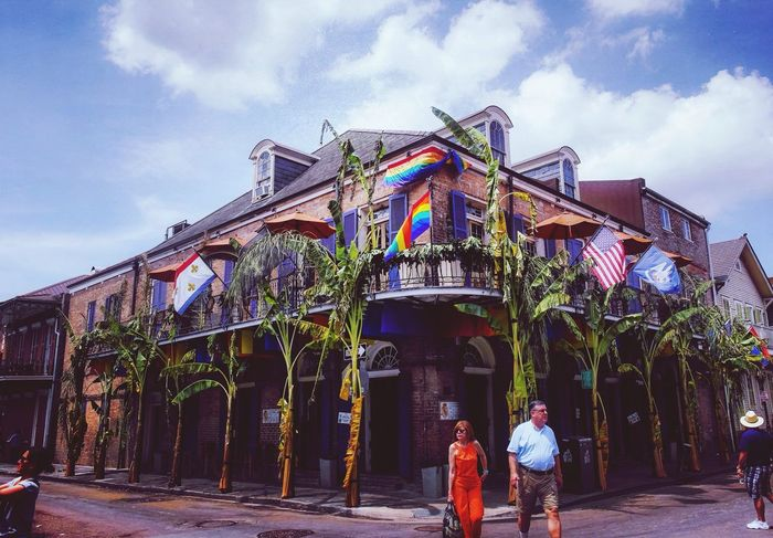 Real People Two People Built Structure Architecture Sky Men Cloud - Sky Building Exterior Day Women Rear View Outdoors USA Neworleans New Orleans Lifestyles Low Angle View Full Length Standing Adult Adults Only People