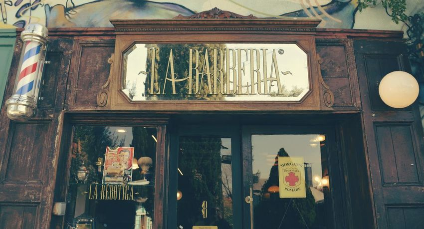 Mercantic La Barberia Business Finance And Industry Retail  No People Store Variation Day Mercantic Outdoors Side View Barbershop City Working City Life Antiques Antiques Market Antiques Photography EyeEmNewHere