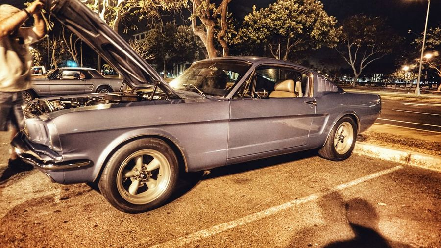 Night car cruise Hawaii... Auto CarShow Classic Car