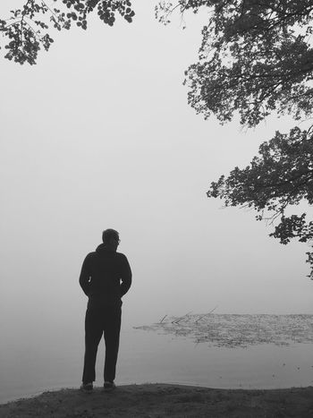 Real People Standing Silhouette Nature Water Tree Outdoors Nebel Fog Blackandwhite Schwarzweiß Canon Canonphotography Canon700D Lost In The Landscape Lost In The Landscape