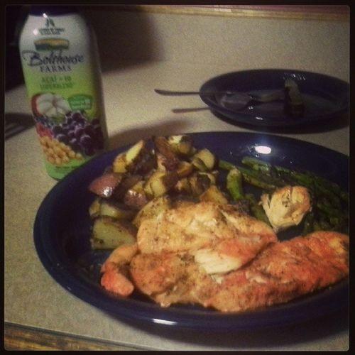 Bachelorlife Dinner Chicken Redpotatoes asparagus ? ?