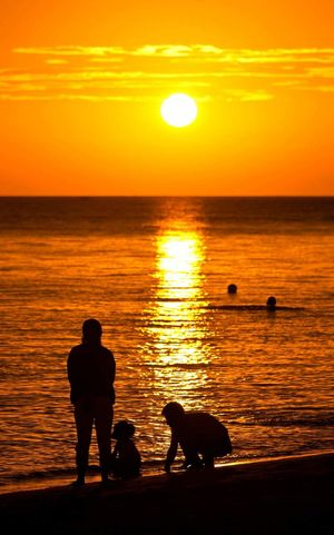 Japan Sea Landscape Family Sunset Sun Evning Sky Nuture Beauty In Nature Happy Relaxing Love Water Water Surface Sky Beach