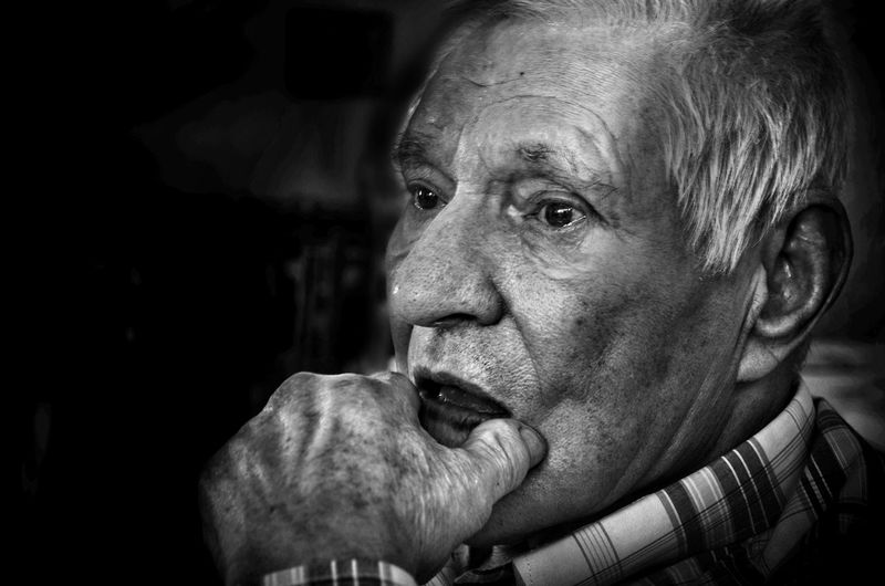 Senior Adult One Senior Man Only One Man Only One Person Only Men Adult Indoors  Human Body Part Adults Only People Portrait Black Background Close-up Human Hand Day The Weekend On EyeEm The Week On EyeEem EyeEmNewHere The Great Outdoors - 2017 EyeEm Awards Outdoors Tranquility EyeEm Selects Freshness Silviocraveirofg Nikon Nikond5100