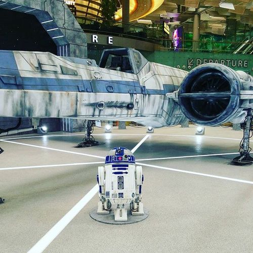 R2-D2 and the X-Wing. Singapore Changi Airport Terminal Changiairport Starwars R2D2 Xwing TheForceAwakens