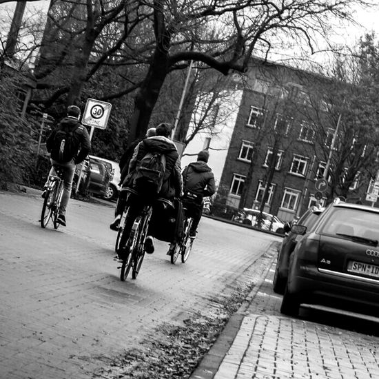 Ridin' dirty. Hanging Out Taking Photos Enjoying Life Streetphotography Autumn Bike Bikes Schoolout Car Street B&w Street Photography Streetphoto_bw PUPILS Sony taken with Sony Nex6.