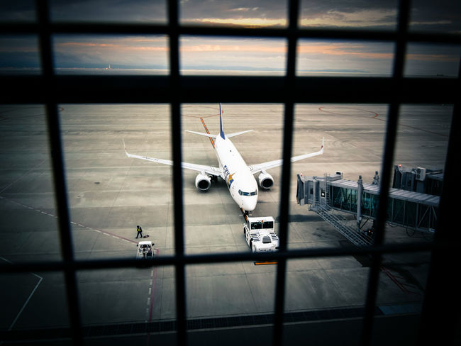 Airplane Airport Twilight Enjoying Life Departure Fence 神戸空港
