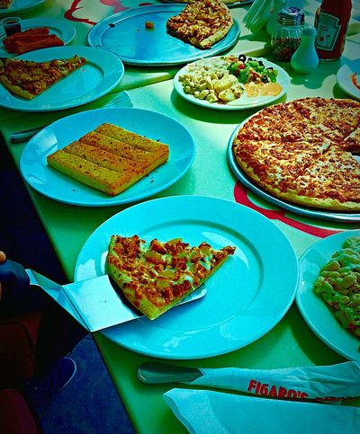 Enjoy Eating HappyTummy Foodphotography Pizza Time Junk Food Food Porn Foodstagram LoveFood Pizzalover Family Time At The Restaurant Pizza Comfortfood