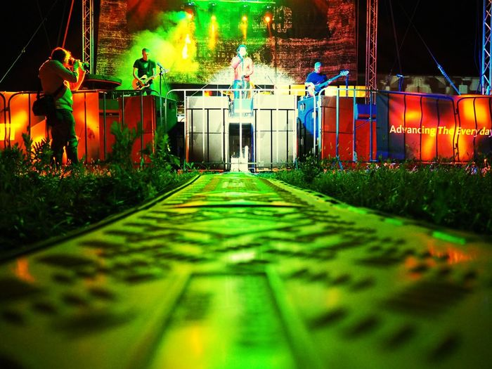 Night Illuminated Built Structure Grass Outdoors Middle Line Laser Lights  Concert Festival Outdoors Concert Performing Stage Stage - Performance Space Arts Culture And Entertainment The Week On EyeEm Multi Colored Yellow Light Green Light Minimalism Laser Lights  Red Light Green Lights Green Lasers EyeEmNewHere