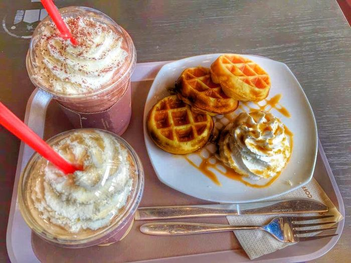 Waffle Dessert Yummy Eating Sweet Fat Must Gain Weight