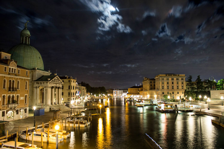 San simeone piccolo by grand canal against sky at dusk in city