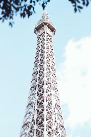 This makes me want to go to Paris. LasVegasStrip Eiffeltower Architecture