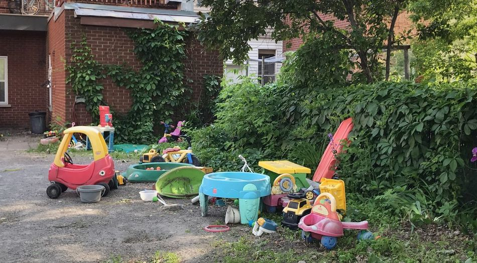 Back alleyways in my hometown, Montréal Outdoors Family Life Children Supper Time