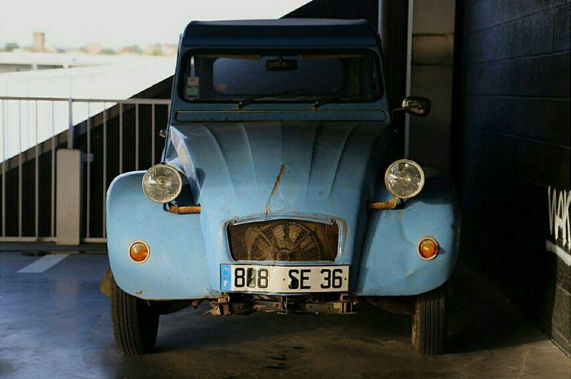 Car Voiture 2chevaux Deuxchevaux Deuxchevauxcitroen Parking Vintage Cars Vintage Bluecar Old