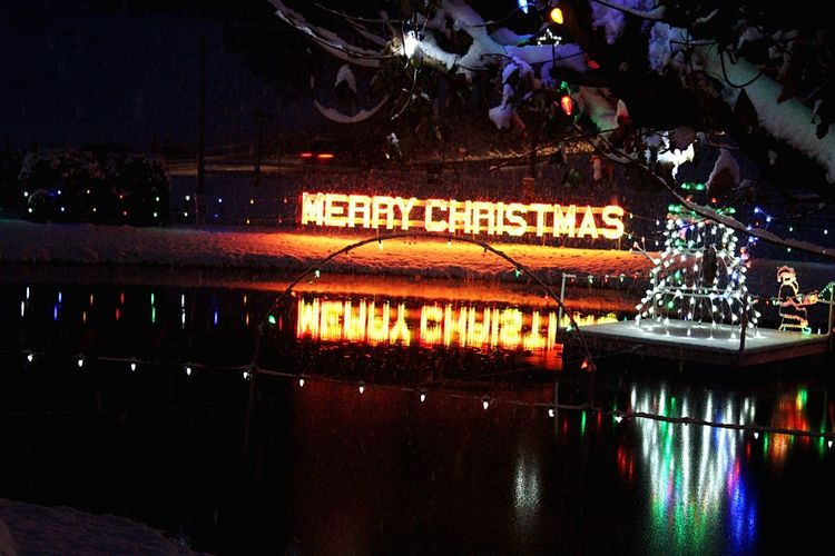 Travel Destinations Family Time Chrismas Display Christmas Spirit Pennsylvania Bernville Illuminated Night Architecture Built Structure Reflection Text Outdoors No People Water Sky