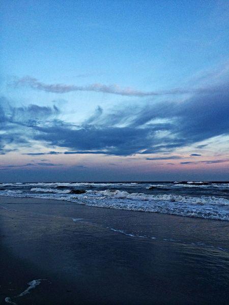 Nikonlove Long Beach NY Nikonphotographers #beachlovers #checkout My Gallery On Instagram#waycoolshots#awesomesunsetshots Sunset #sun #clouds #skylovers #sky #nature #beautifulinnature #naturalbeauty #photography #landscape