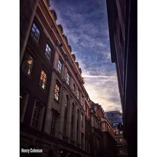Nice Sunset and Clouds over Lombard Street. Lovelondon London London_only Londonpop London_only_members Igerslondon Ig_london Ig_england Ig_europe Global_shotz Timeoutlondon Allshots_ Aauk Special_shots Guesstination Uk_potd Streetshot_london London_masters Skies_masters Sunset Sky Clouds
