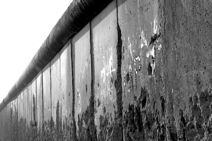 Topography of Terror (Berliner Mauer) Baudenkmal Berlin Berlin Kreuzberg Berlin Mitte Berlin Photography Berlin Wall Berliner Ansichten Berliner Mauer Berlineransichten DDR DDR Grenze Erinnerungsort Grenze Grenzsperranlage Grenzstreifen Holocaust Mauer Mauerfragment Niederkirchnerstraße Ost-Berlin Topographie Des Terrors Topographie Of Terror Topographiedesterrors Topography Wall