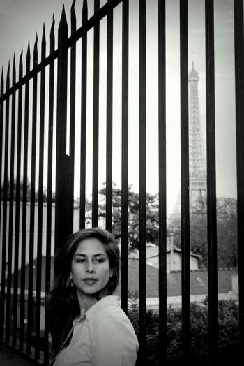 Parisienne Eiffeltower StreetphotographyBlack & White Parisian
