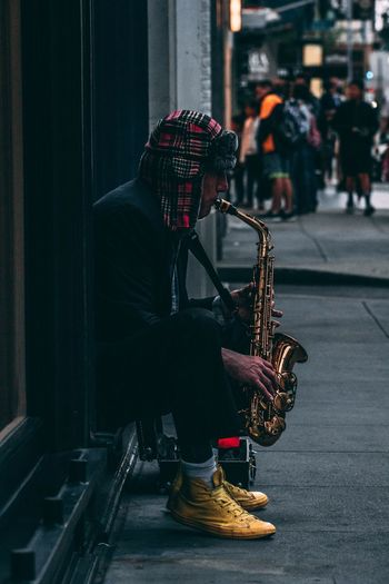 Street session Sanfrancisco EyeEmNewHere Sonyalpha Streetphotography Colors Musical Instrument Music City Street Real People Arts Culture And Entertainment Incidental People