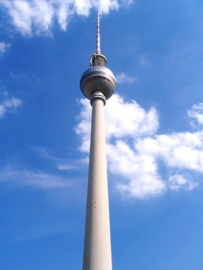 Communication Tower Tall - High Broadcasting Travel Technology Global Communications Sky Tourism Wireless Technology Travel Destinations City Antenna - Aerial Architecture No People Urban Skyline Television Industry Cloud - Sky Connection Outdoors Berlin Mitte Berlin Berlin Fernsehturm Capture Berlin Capture Berlin