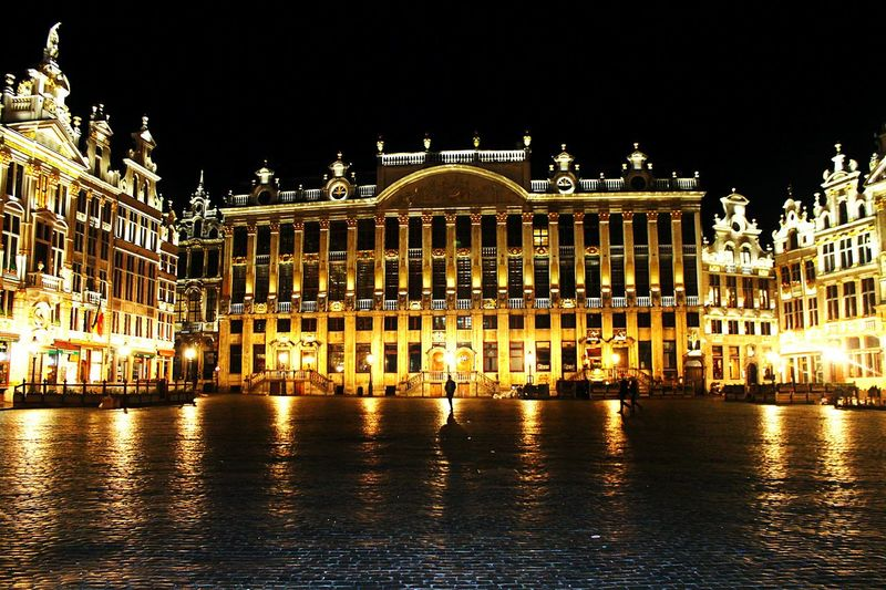 Brussels Centre Bruges Bruges Central Night Illuminated Travel Destinations Politics And Government Arts Culture And Entertainment Architecture Human Eye Outdoors King - Royal Person People Sky Building Exterior Brussels Belgium Canonphotography Canon1100d Brussel City Street