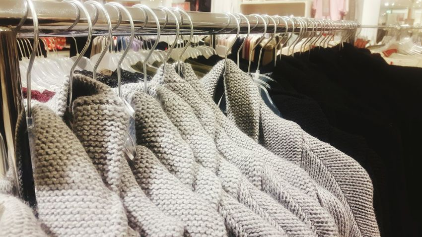Variation Choice Retail  No People Close-up Indoors  Day Kleiderbügel Kaufhaus Hanger Coat Hangers Coathanger Coat Hanger Woolen Wolle  Herbst Winter Mode Fashion Fashion Photography Oberteile In A Row Shopping Time Shopping ♡ Shopping For Clothes