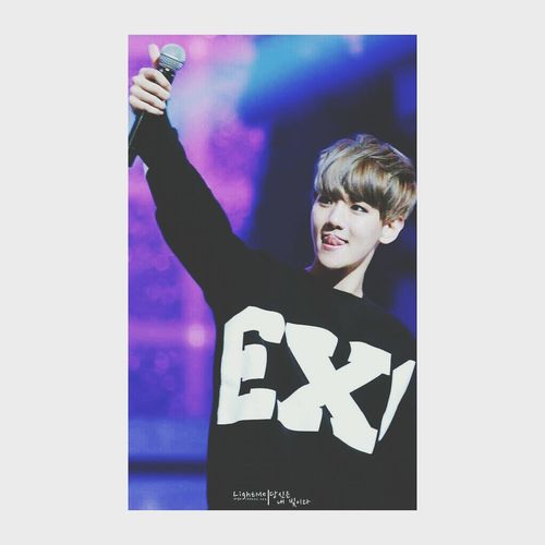 Hi baekhyun. stop ruining Check This Out Hi! Enjoying Life Byun Baekhyun my bias list.