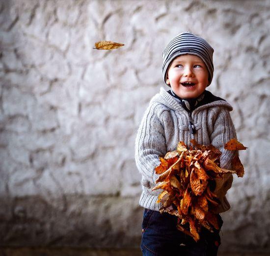 Joy of fall EyeEm EyeEm Gallery EyeEm Best Shots EyeEm Gallery Eyeem Market Fall EyeEm Best Shots - Nature Males  Warm Clothing Clothing Portrait Standing Knit Hat Boys Real People Looking Outdoors My Best Photo Exploring Fun