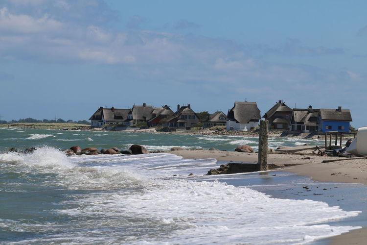 Häuser Am Strand Landschaft Landschaftsbilder Strand Strandlandschaft Häuser Landscape Landschaftlich See Strandleben
