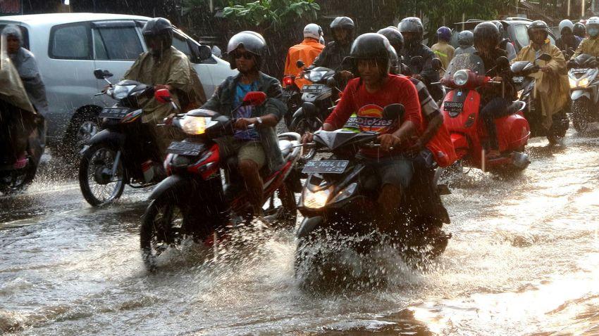 Rainy season in Bali. Bali Rainyseason Rain Jeanmart Joseph Jeanmart Verybalitrip Very Bali Trip Thestreetphotographer2016eyeemawards
