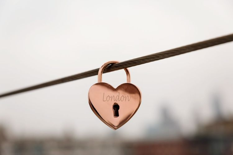 Love London Lock Heart Shape Love Hanging Padlock LONDON❤ Wire Safety Love Lock Security Love Protection Railing Metal Heart Shaped Lock Forever Locked In Love In London Locked In Love
