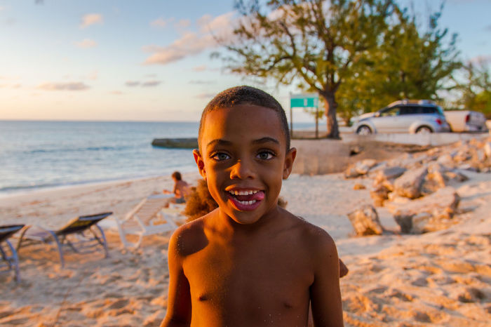 😃Happy kids enjoying the beach🤣~ Happiness Portrait Beach Looking At Camera Outdoors Playing Day Cheerful Water Sea Nature Paradise Grandturk Turksandcaicos