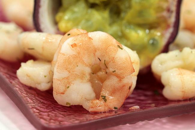 Shrimps and Maracuja fruit Macro Garnelen Meeresfrüchte Marakuja Shrims EyeEm Selects Food And Drink Food Freshness Healthy Eating No People Indoors  Close-up Defocused Ready-to-eat