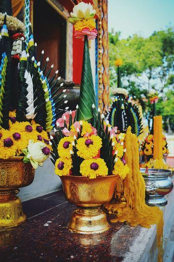 Beautiful bouquet flowers of Worship in Thai temple Amazing Thailand Amazing Architecture Church Thai Church Colorful Region Thai Temple Buddhism Worship Temple Architecture Festival Travel Thailand Exquisite Craft Work Craft Elegance Beauty Hand Craft Indoors  Bouquet Of Flowers Close-up Flowers Bouquet Art And Craft