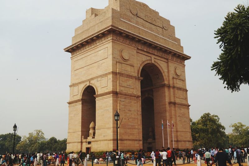 India Gate #indiagate #Indianpeoples #newdelhi #peoplesaround #togetherness #sideview