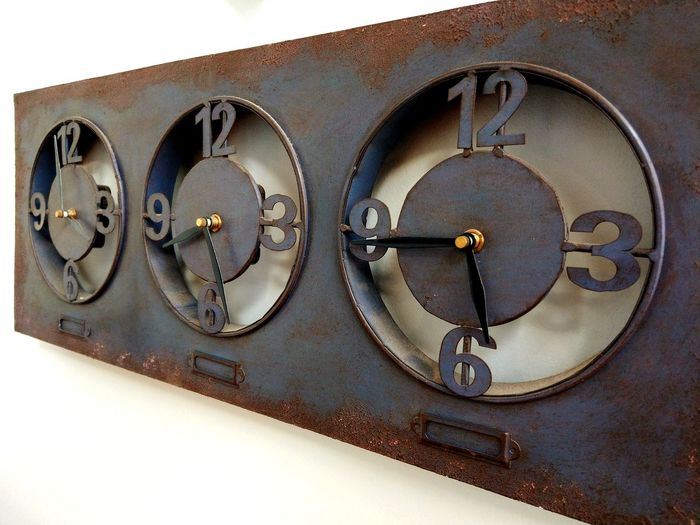 Time Shadow Clock Face Clock Minute Hand Time Old-fashioned Close-up Vintage Rusty Retro Aged EyeEmNewHere