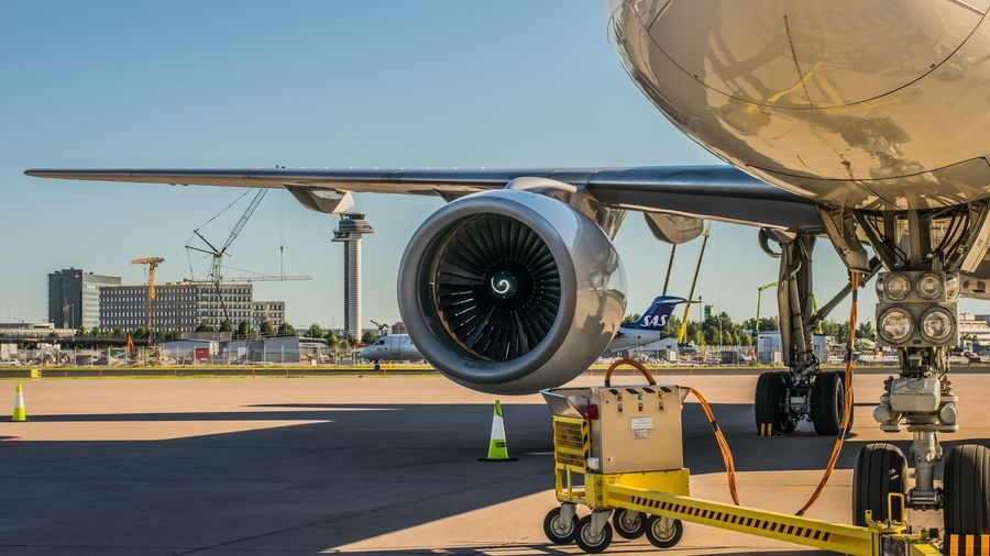 Ups Arlanda Airport Arlanda Airplane Cargo Gpu Control Tower Sas 757 Pratt&whitney Jet Engine