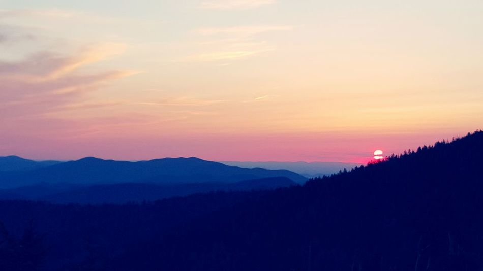 Sunset with ridge lines and tree silhouettes from Clingmans Dome in Great Smoky Mountains National Park. Sunset Sunset Silhouettes Great Smoky Mountains National Park Clingmansdome Tennessee Appalachian Mountains Blue Ridge Mountains Sky Dusk Evening Sky