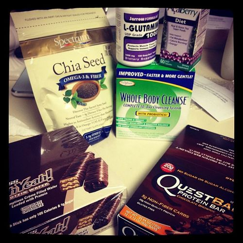 Protein bars for times i have eat on the go, chia seeds to and Acai berry capsules to keep from constantly getting hungry, L-Glutamine to help w my stomach pains 😞, and finally got a body cleanse set!! Vitamineshoppe Reachedmorethanmyhalfwaygoal Almostatmygoal Proteinbars Wheyisolateproteinbars ISS Questbar