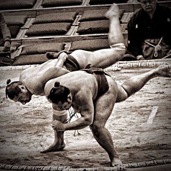 Novice Sumo Wrestlers Sumo Basho Wrestlers Japan Photography Japanese Culture Black And White Dance Capture The Moment