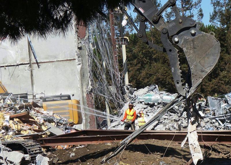 Demolition Zone Demolition Construction Worker Hosepipe Hoses Water Jets Excavator Construction Machinery Heavy Machinery