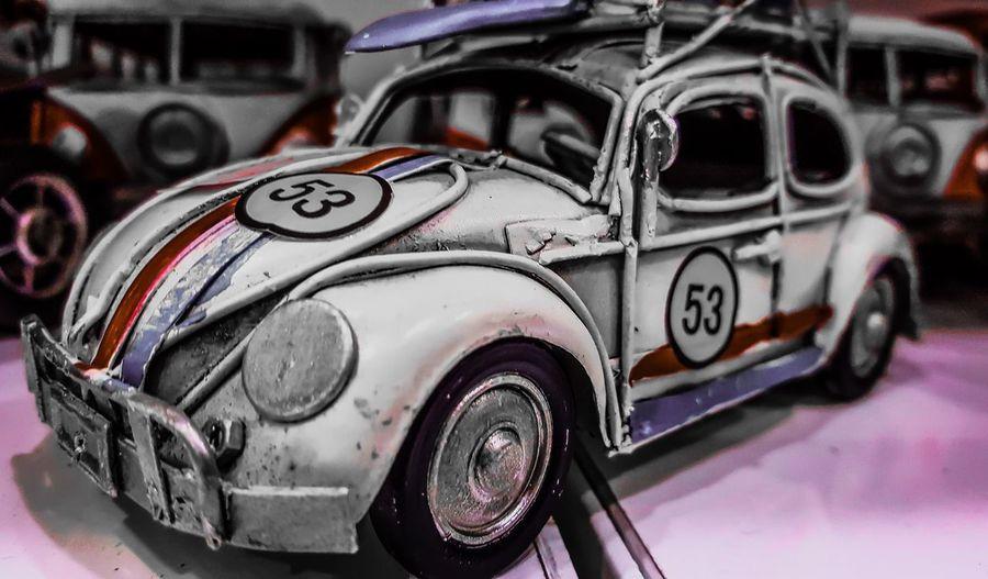 VW Beetle Volkswagen Beetle White Background Hello World Classic Classic Car Cars Underground Underworld Olric Birini nasıl seviyorduk? Nerden başlıyorduk? İlk önce seviyor muyduk? Yoksa ilk önce güveniyor muyduk? * Neyse çayı nasıl demliyorduk? Taking Photos Relaxing Pastelcolours Snowman Oguzatay TehlikeliOyunlar