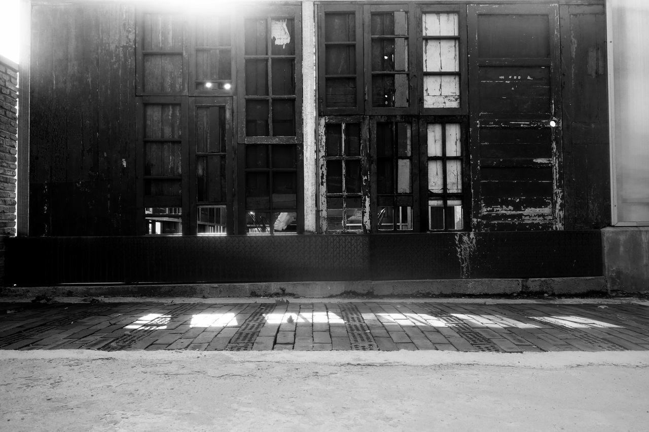 illuminated, architecture, built structure, night, no people, building exterior, indoors